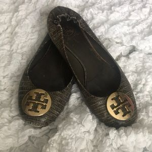 Tory Burch good condition size 8 color is Green